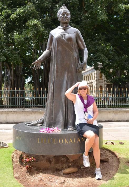 Queen Lili'uokalani with modern day fan
