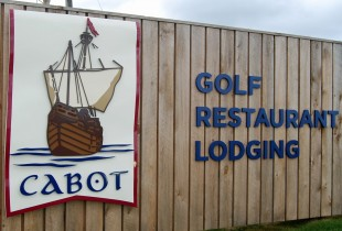 Cabot Links Entrance