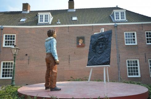 Rembrandt Statue in Leiden