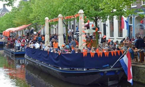 Delft restaurant barge