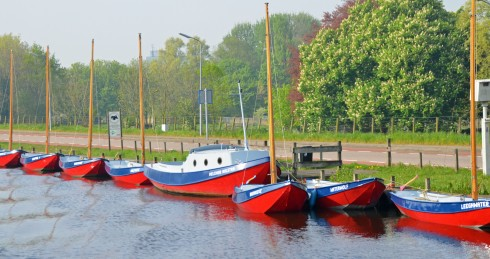 boats on Schipol canal