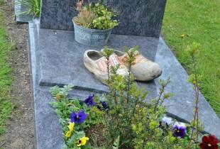 Graves 6