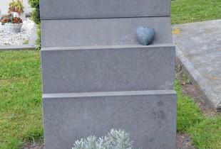 Graves 8