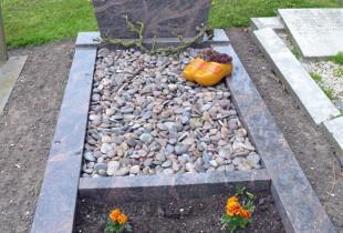Graves 9