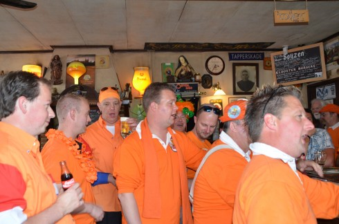 The band sings on in 't Klooster