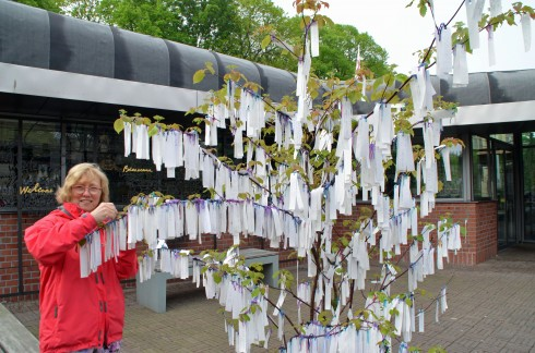Tieing our message to the world peace tree