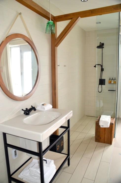 Shower and sink, Room 203 La Ferme