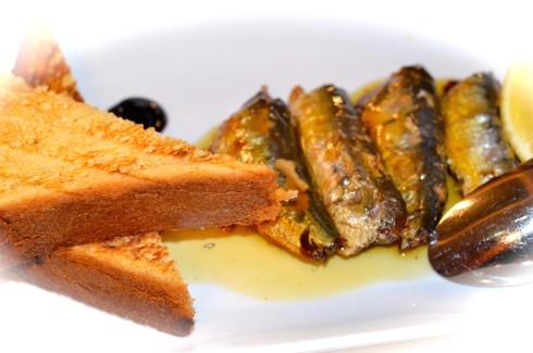 Sardines & Toast, La Mascotte