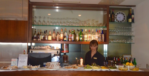 Cafe Bar, Vestibul Palace
