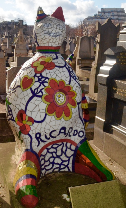 Ricardo the Cat - Montparnasse Cemetery