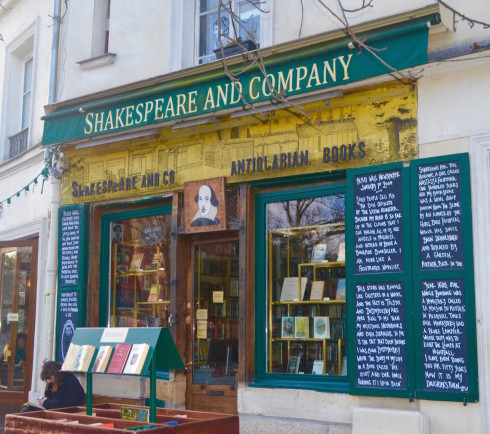 Bookstores in Latin Quarter Paris