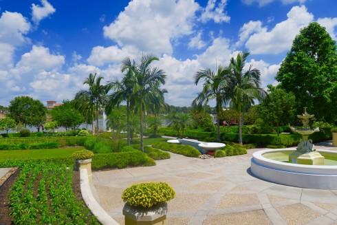 Hollis Garden, Lakeland Florida