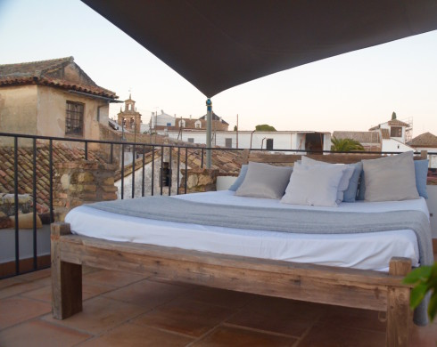 Patio bed, Balcon de Cordoba