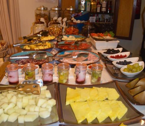 Breakfast buffett 2