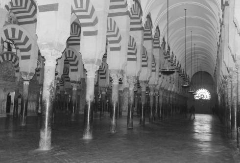 Black and White Mezquita