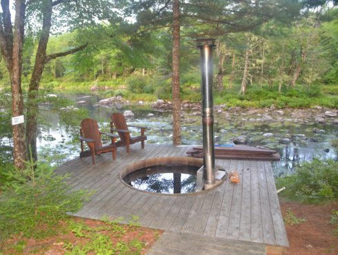 Wood Fired Hot Tub, Trout Point Lodge