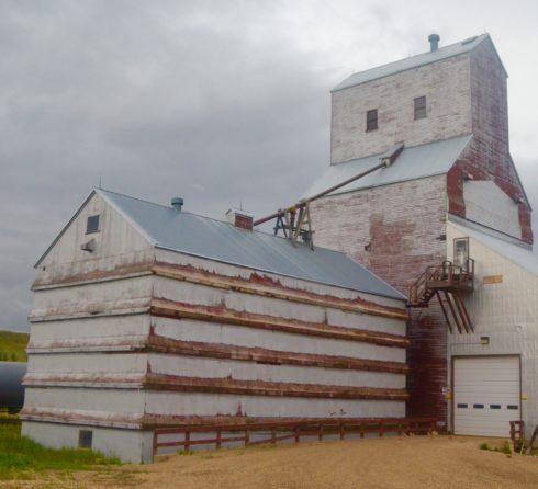 Eastend Grain Elevator - Saskatchewan Grain Elevators