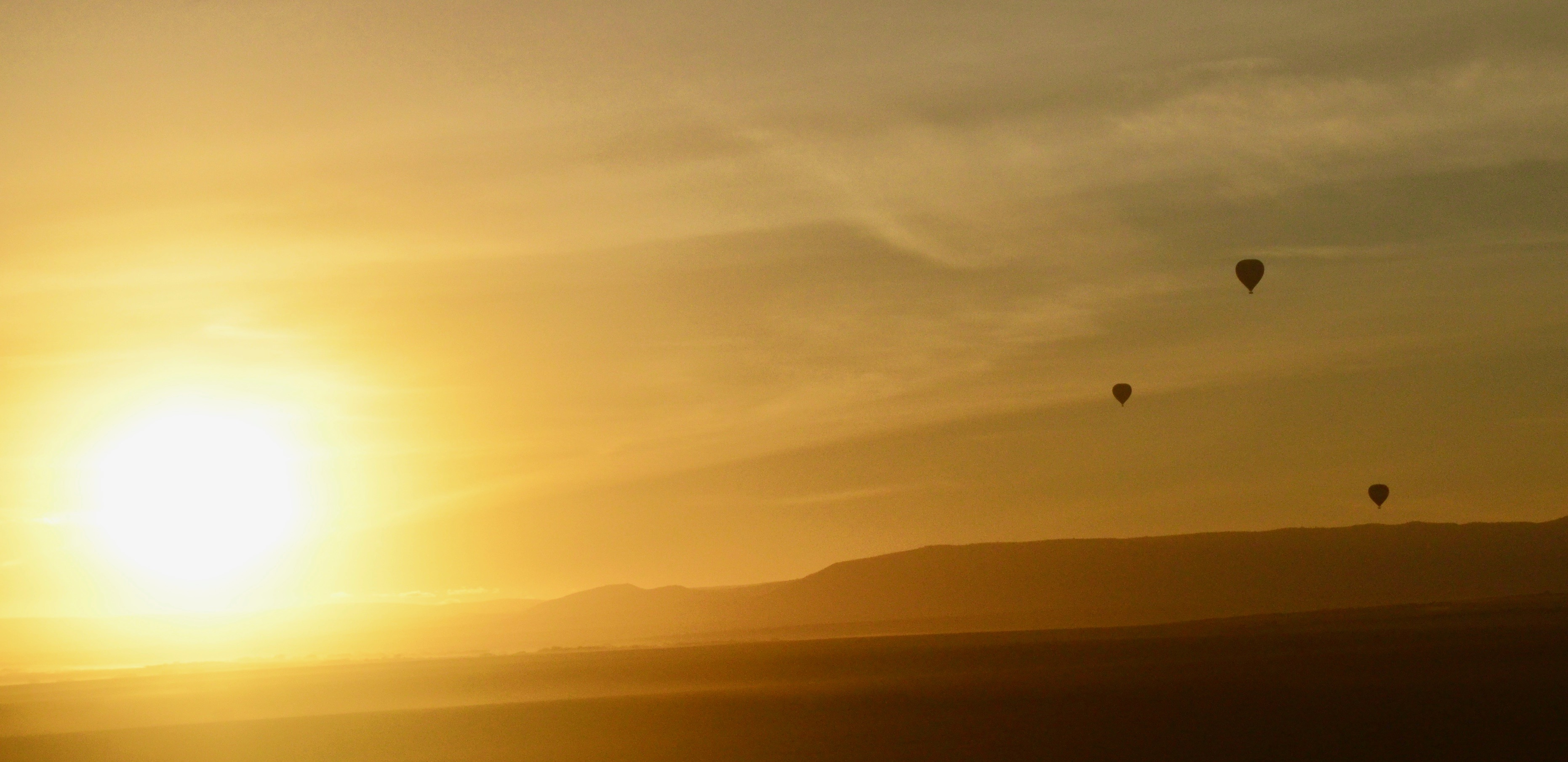 Sunrise with Balloons, Masai Mara