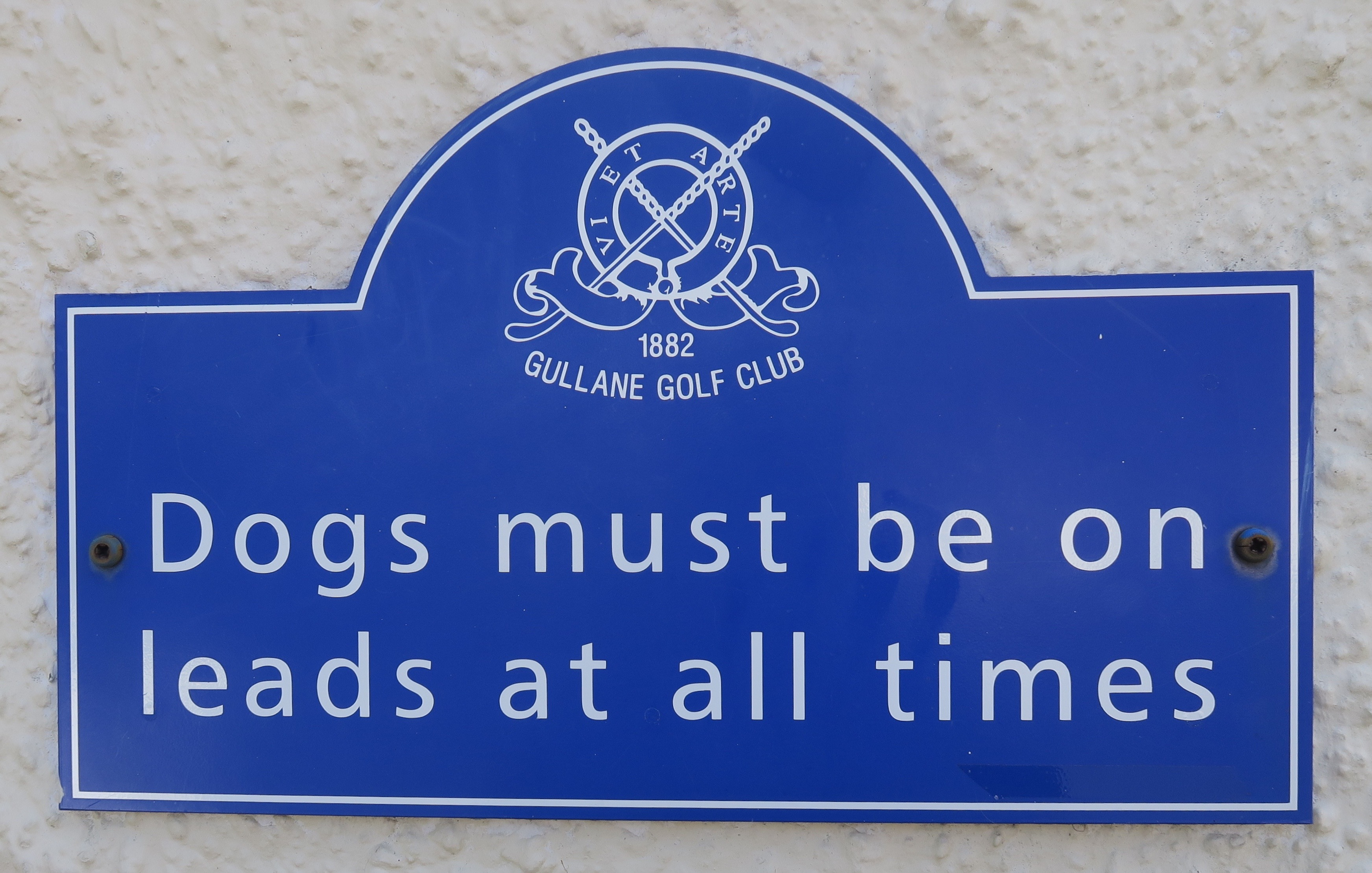 Dogs Must be on Leads
