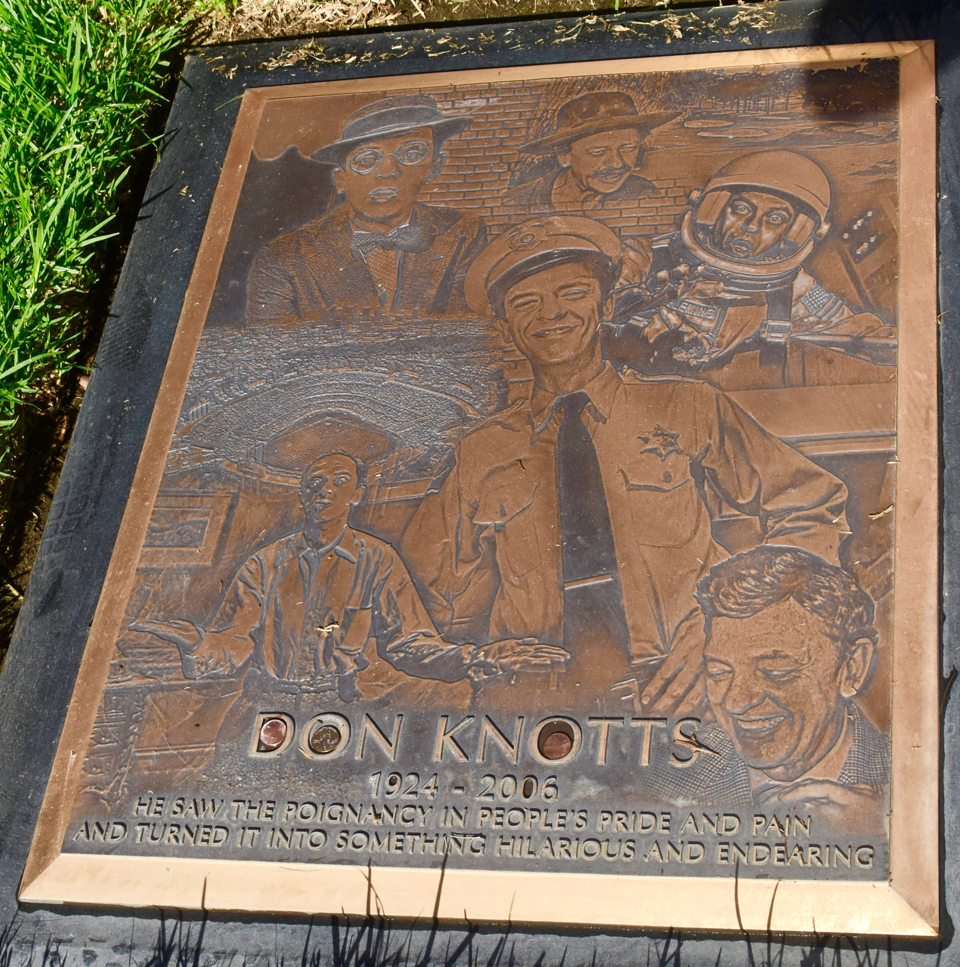 Don Knotts, Westwood Village Cemetery