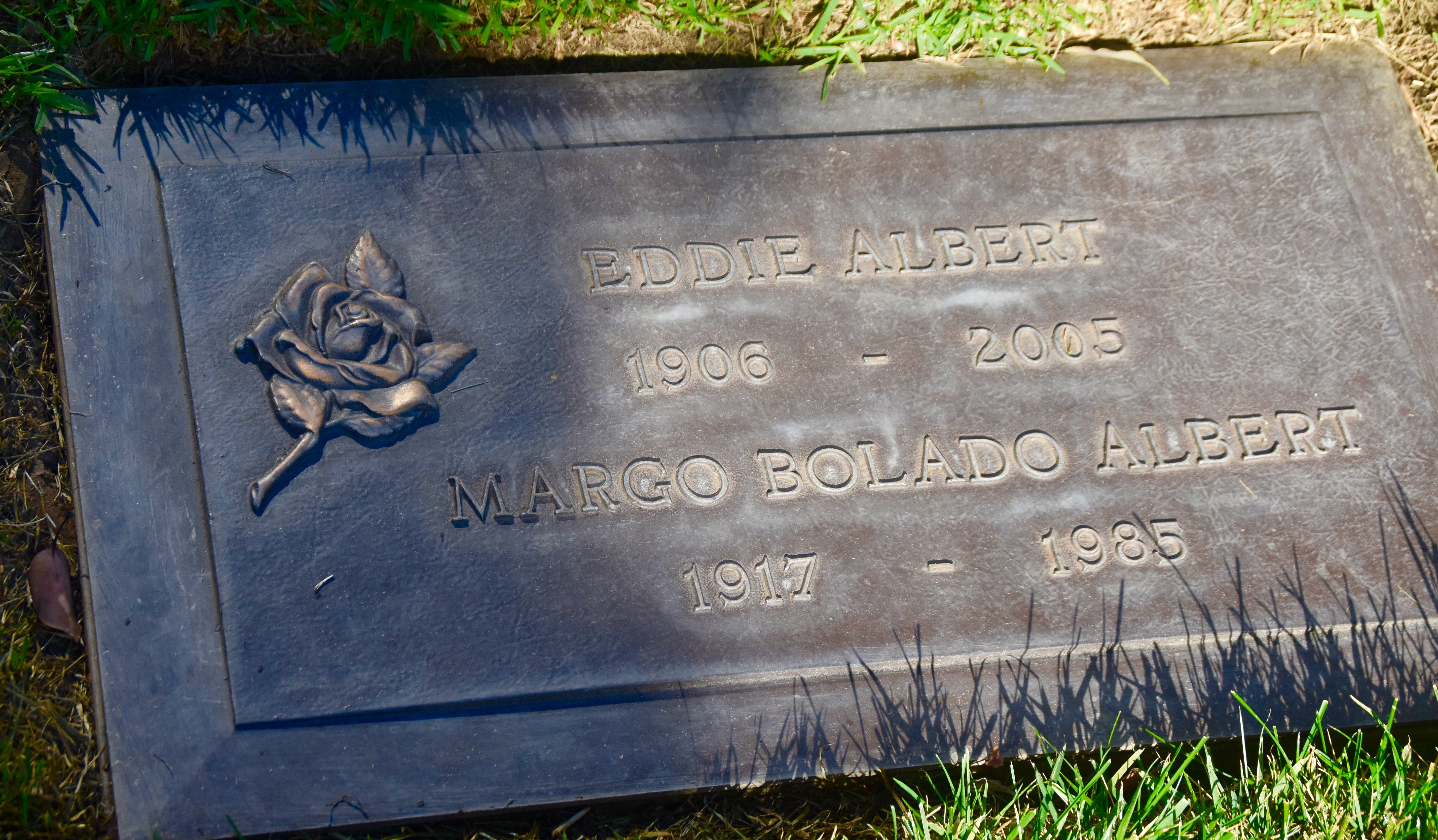 Eddie Albert, Westwood Village Cemetery