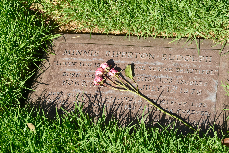 Minnie Riperton, Westwood Village Cemetery