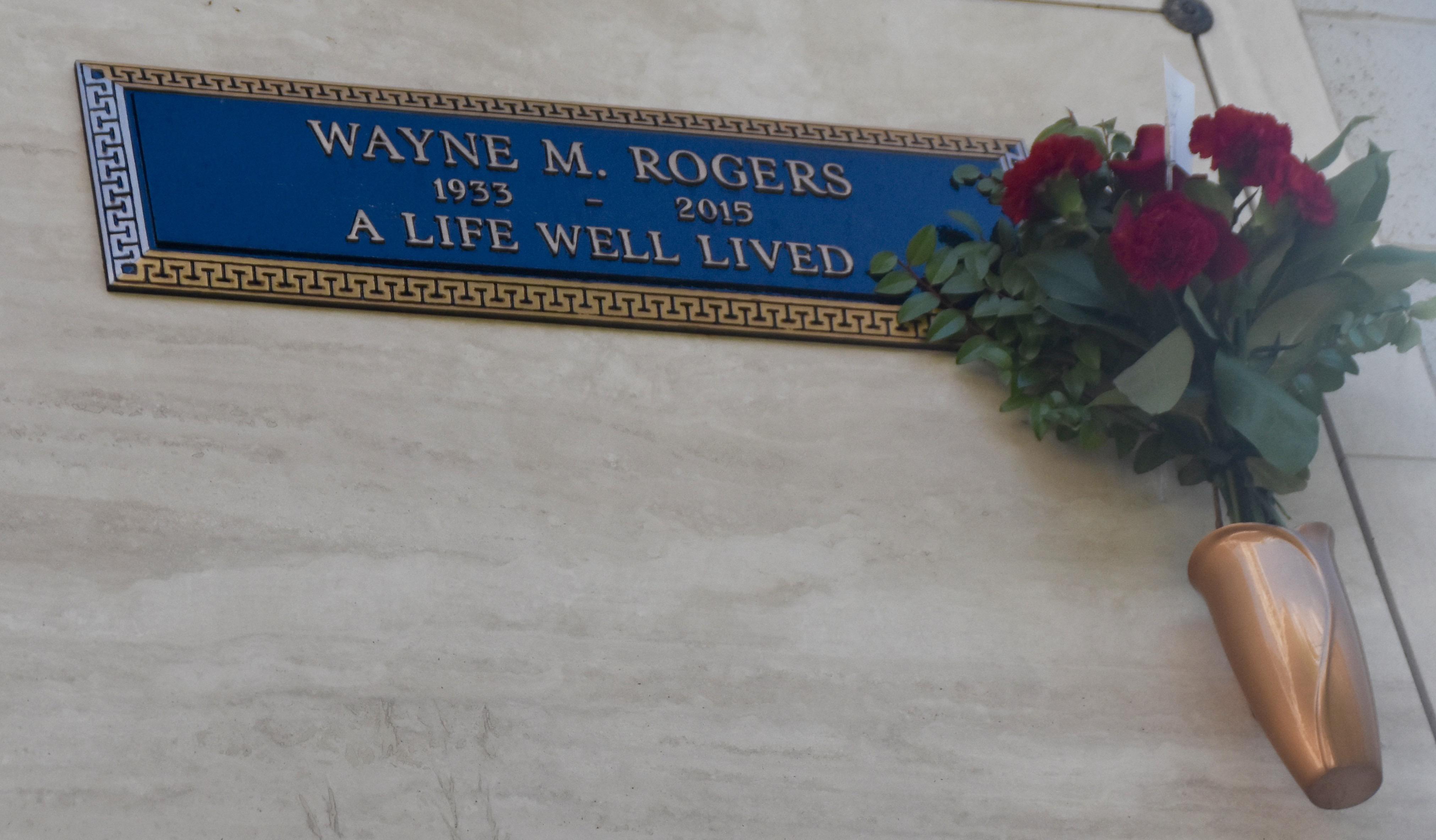 Wayne Rogers, Westwood Village Cemetery
