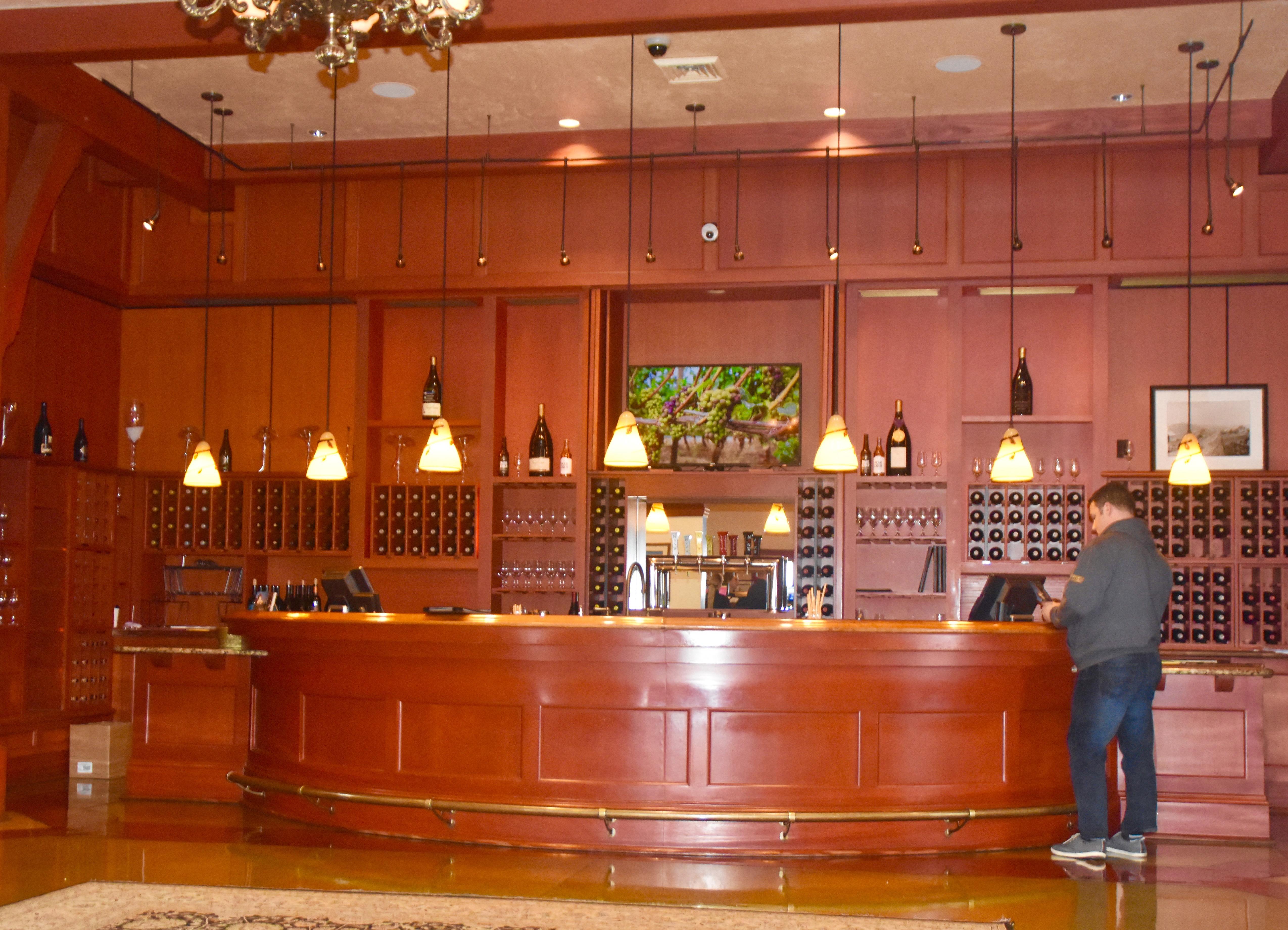 Tasting Room, King Estate Winery