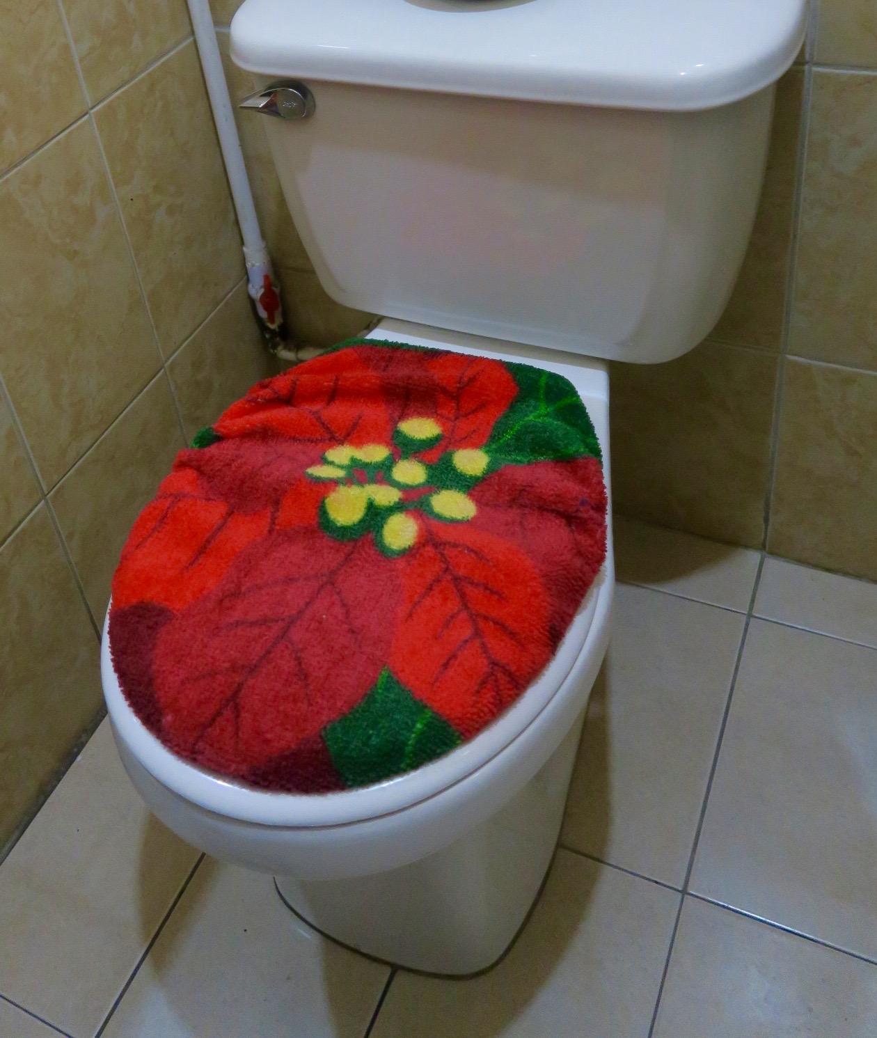 Donde Laurita Toilet Seat