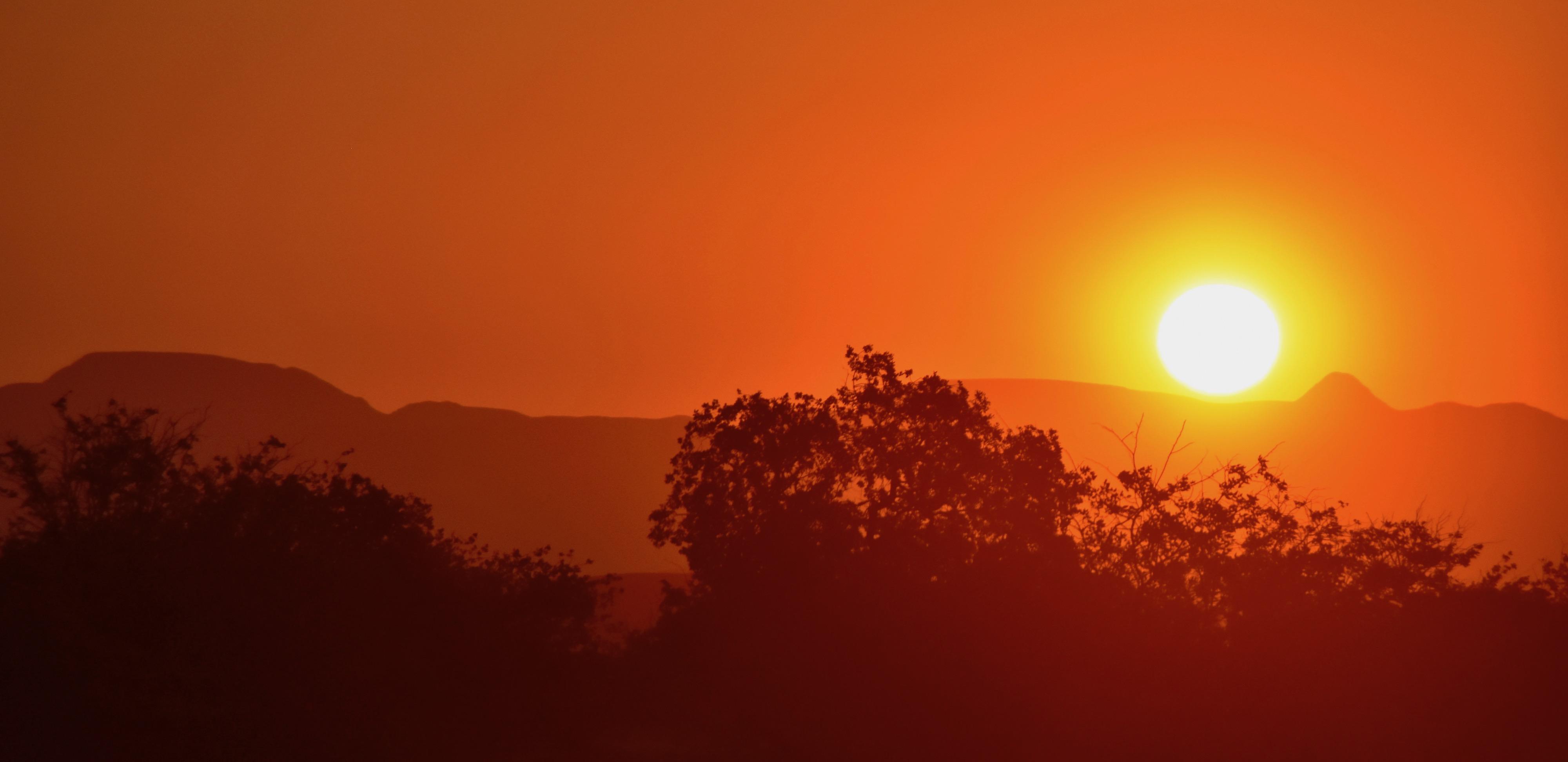 Sunset at Doro Nawas