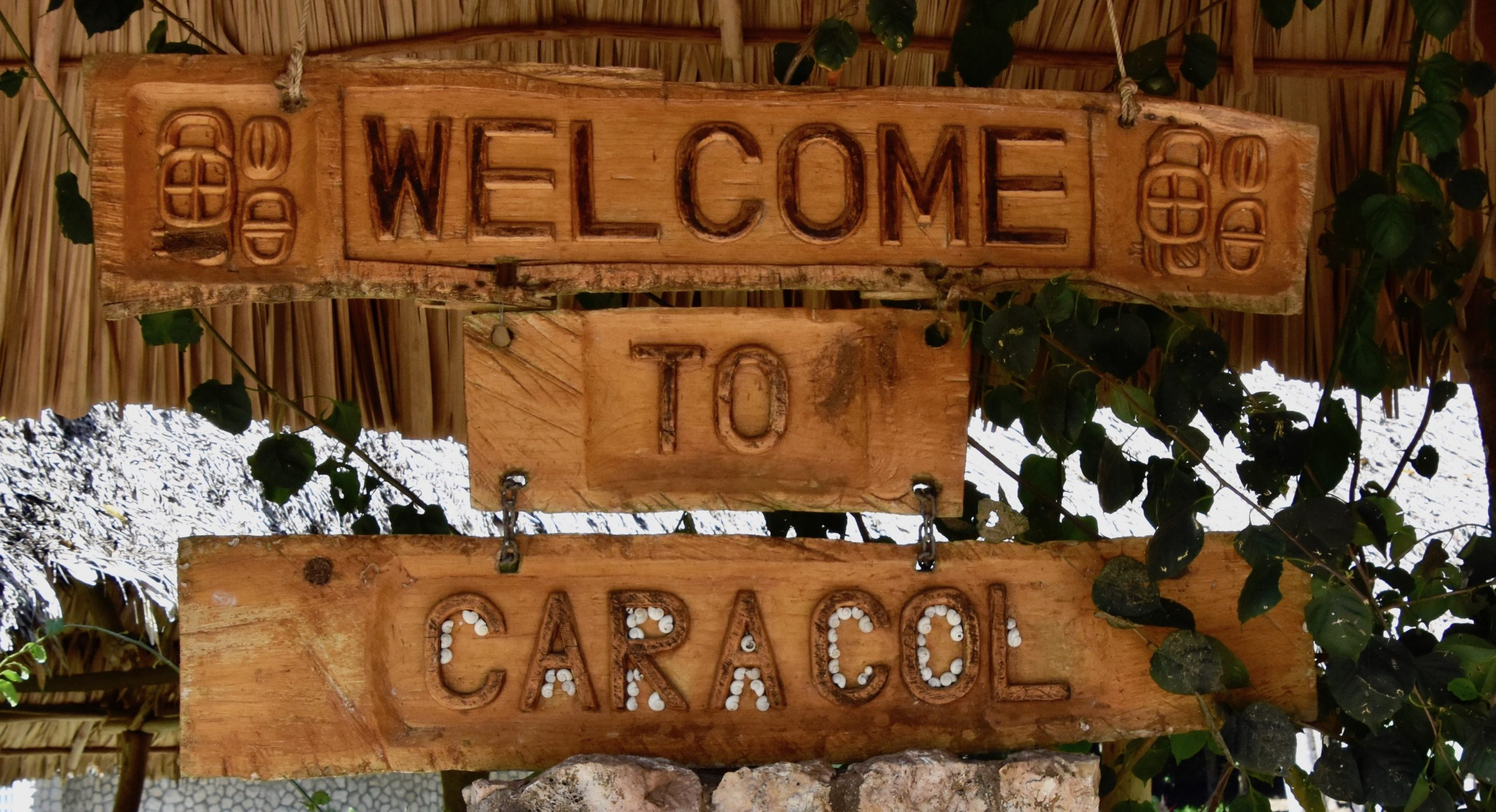 Caracol Sign